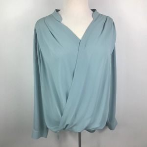 Ro & De deep V snap button closure loose blouse